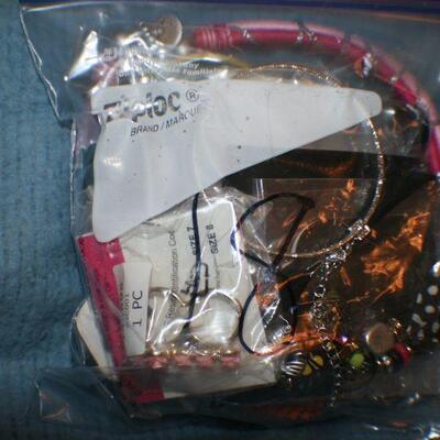 Quart Size Ziplock Bag of Jewelry 18