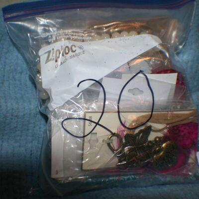 Quart Size Ziplock Bag of Jewelry -20