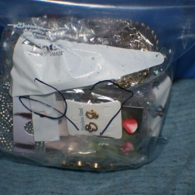 Quart Size Ziplock Bag of Jewelry 27