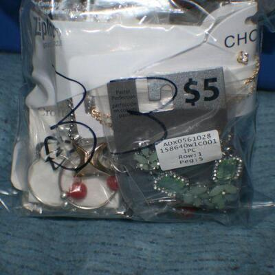 Quart Size Ziplock Bag of Jewelry -33