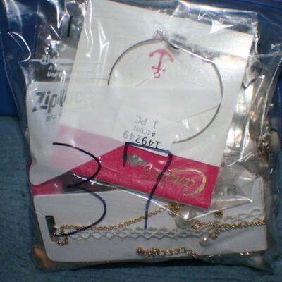 Quart Size Ziplock Bag of Jewelry -37