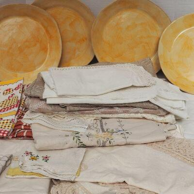 Lot 02 Liz Quackenbush large carrier ceramic plates and vintage Linens