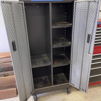 800-Gladiator Steel Storage Cabinet-Mobile