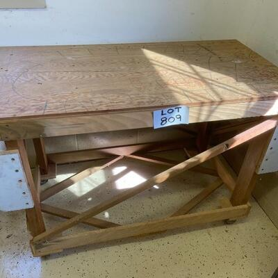 809-Mobile Wooden Workbench