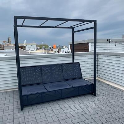 Crate and barrel outdoor sofa/daybed/lounge