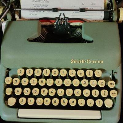 B5: Vintage Smith Corona