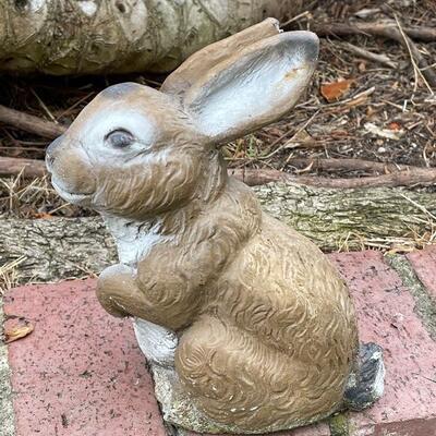 Garden art concrete bunny rabbit statue