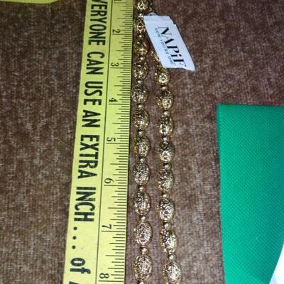 NWT Napier Filigree Dainty Little Necklace