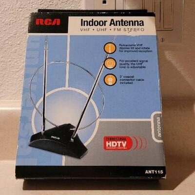 Lot 4: New in Box FREE HDTV Indoor Antenna