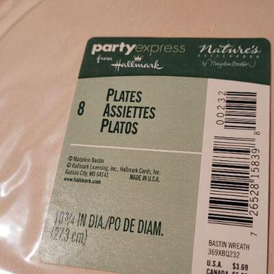 Lot 17: Assorted NEW Hallmark Deco Plates and Napkins