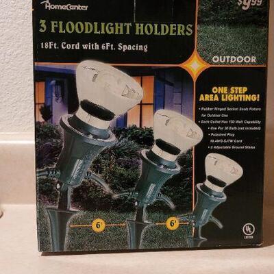 Lot 21: New SET of 3 Floodlight Holders