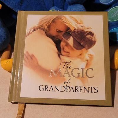 Lot 26: Grandparent's Magic New Book + Great Kids Hallmark New Figures