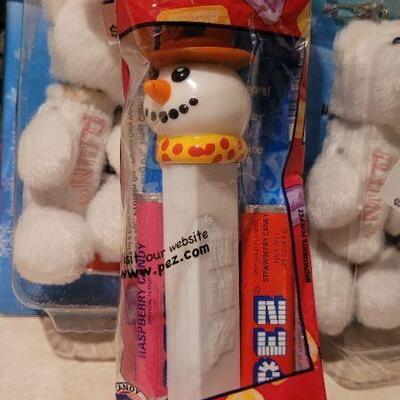 Lot 27: Assorted NEW PEZ Dispensers
