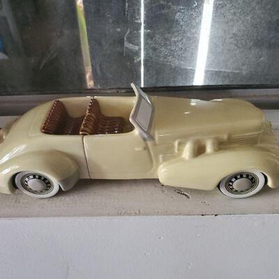 Cermamic White Car