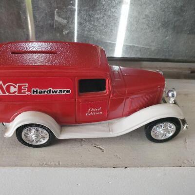 1940s ACE Hardware Car