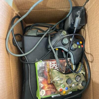 Xbox 360 with 2 Controller