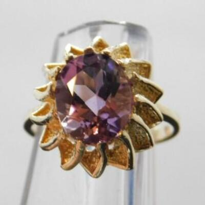 14 KT Gold Lady's Amethyst Ring 4 grams
