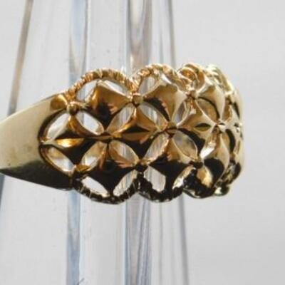 14 KT Yellow Gold Ring with Contemporary Pierced Design 4.2 grams