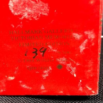 Miniature Jack in the Box Ornament Figurine Music Box Hallmark Limited Edition #139/500