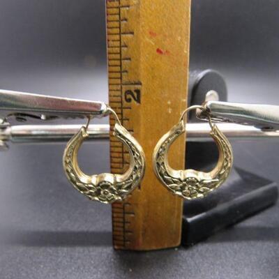 14k Yellow Gold Floral Hollow Hoop Earrings