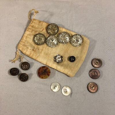 Lot 13 - Bag of Vintage Buttons