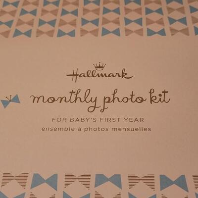 Lot 122: New HALLMARK Monthly Photo Kit