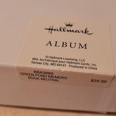 Lot 124: New Hallmark Green Pon Memory Book