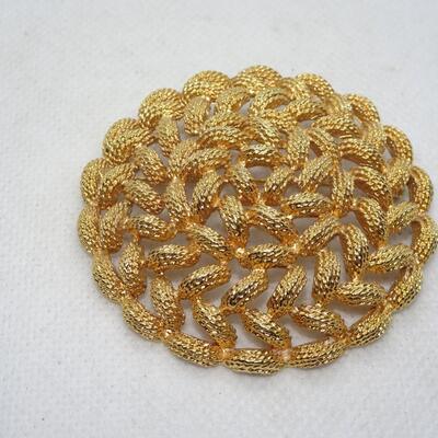 Gold Tone Round Braid Brooch