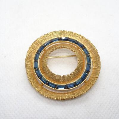 Blue Sapphire colored Rhinestone Gold Tone Brooch