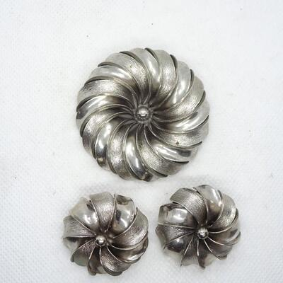 Silver Tone Flower Pin Brooch & Matching Clip Earrings