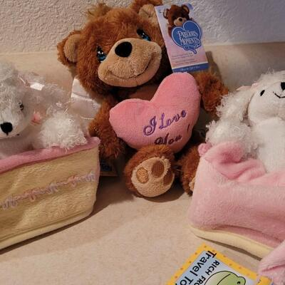 Lot 126: Assorted NEW Small Plush Toys