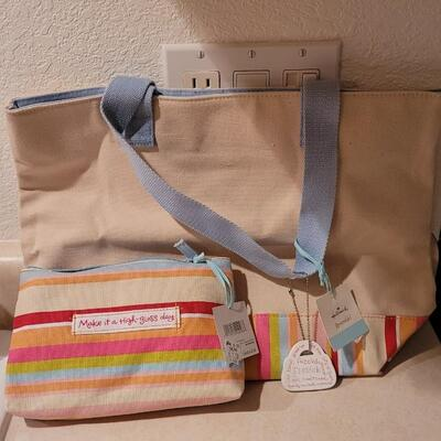 Lot 131: New Hallmark Canvas Bags x 2