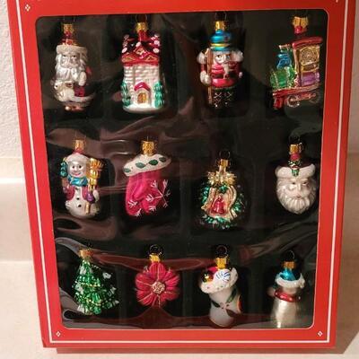 Lot 133: New Christmas Glass Deco Ornaments