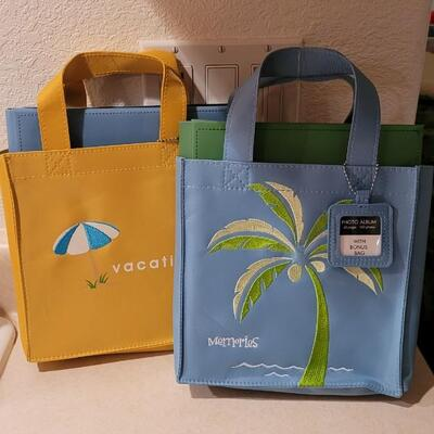 Lot 134: New Hallmark Vacation Tote Bags x 2