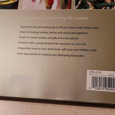Lot 139: Assorted NEW Hallmark Holiday Collectibles - Books + Magnets