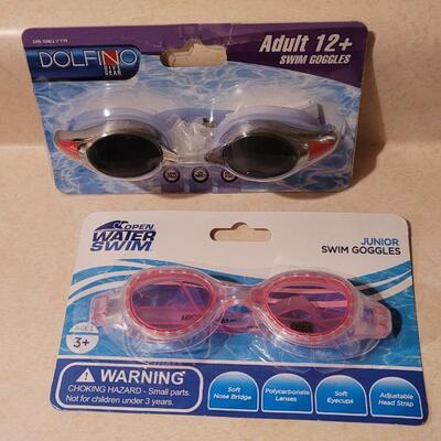 Lot 152: New Swimmimg Goggles x 2