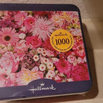 Lot 156: New Hallmark 1000 pc. Puzzle