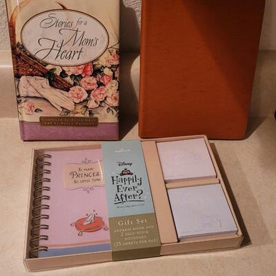 Lot 163: Assorted NEW HALLMARK Books + Gift Set