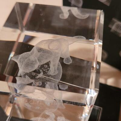 Lot 173: New Crystal Impressions Cat with Fish Creation