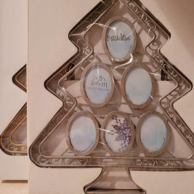 Lot 174: New Christmas Tree Theme Photo Frames (1x2 Oval Style)