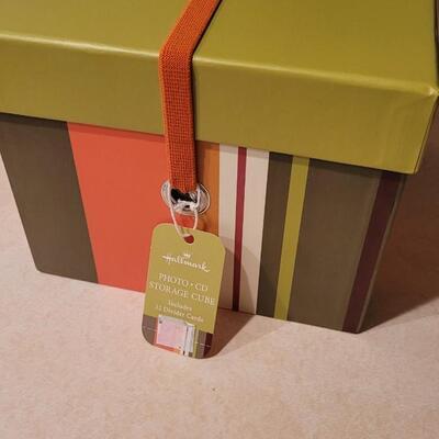 Lot 179: New Hallmark CD PHOTO Storage Cube