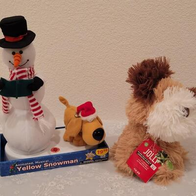 Lot 186: Animated Snowman and Dog