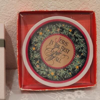 Lot 189: Christmas Small Plates, Ornaments and Tree Box
