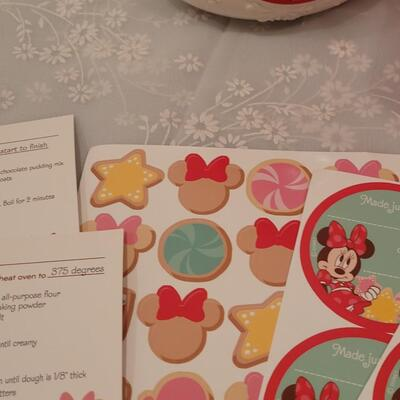 Lot 193: Minnie Mouse Cookie Jar and Minnie Baking Set