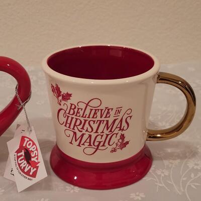 Lot 194: Christmas Coffee Cup Lot