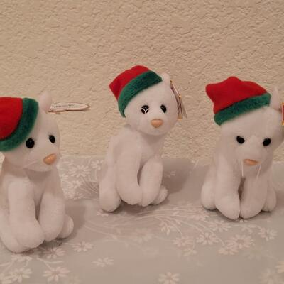 Lot 196: Christmas Ty Beanie Babies