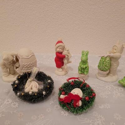 Lot 200: Snowbunnies and Snowbabies (no Boxes)