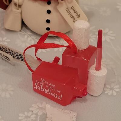 Lot 216: Christmas Ornament and Snowwoman Lot