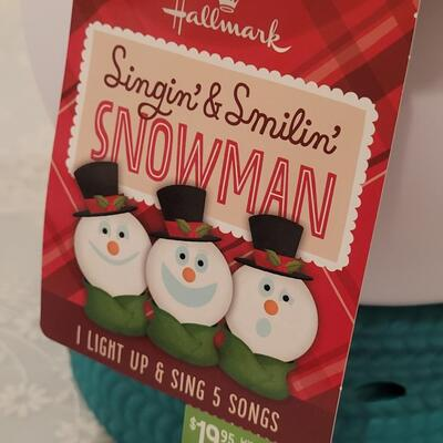Lot 225: Hallmark Singing and Smiling Snowman (Needs Batteries)