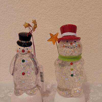 Lot 227: (2) Light up Snowmen (need new batteries)